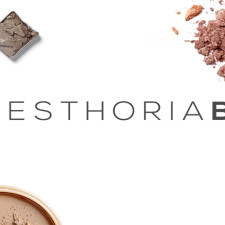 What Makes The Esthoria Box A Green Beauty Dream + 10% Off For My Readers!